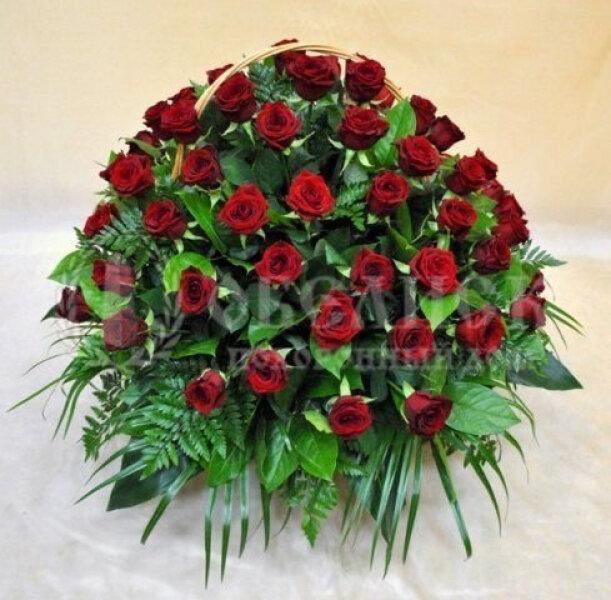 Траурная корзина с цветами (корзина) №8