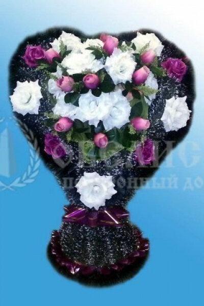 Корзина из искусственных цветов (сердце)