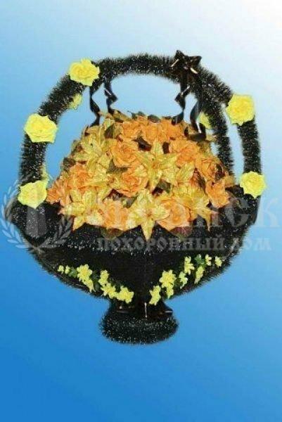 Корзина из искусственных цветов (№6 желтая)