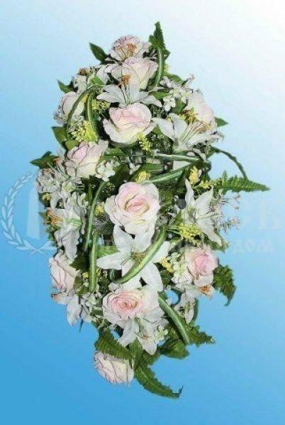 Венок из искусственных цветов (искусственная клумба на гроб)