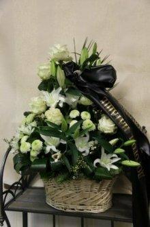 Траурная корзина с цветами (корзина) №4